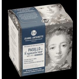 Pasillo en Equateur - Chocolat en poudre par Jeanne Antoinette